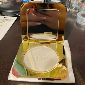 TOM FORD RADIANT PERFECTING POWDER HIGHLIGHTER